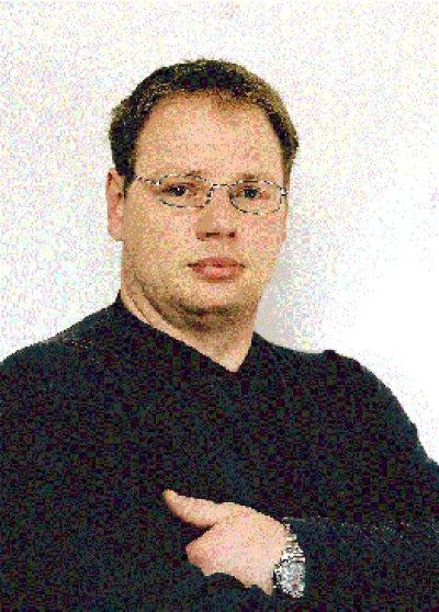 <b>Jürgen Pfletschinger</b> erklärte gegenüber der RHEINPFALZ, dass er aus privaten ... - 20020418_39032396